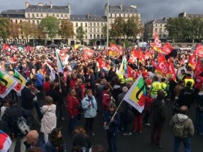 Проти трудових реформ протестує Франція
